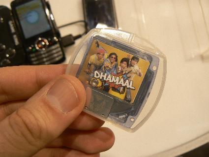 Оптический диск для мобильных телефонов от Vmedia и Spice