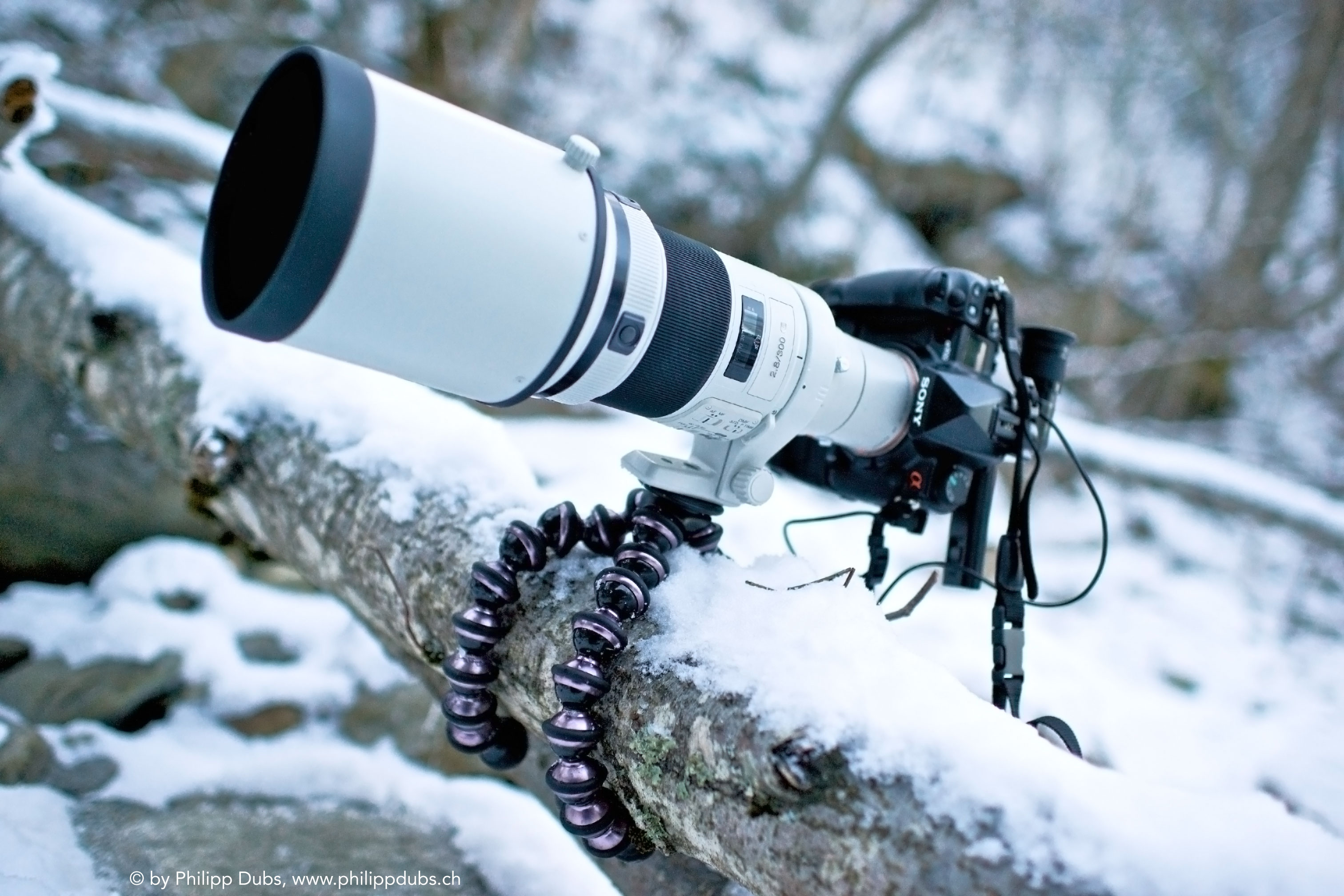 http://www.cyberstyle.ru/uploaded-dl/fotos/1043/gorillapodfocus-02-snow.jpg